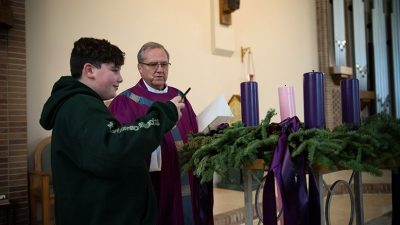 Toms River schools celebrate first week of Advent, pastor's anniversary in prayer