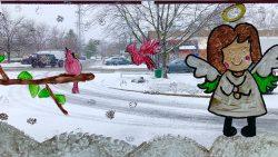 Hamilton students display artistic skills at local restaurant